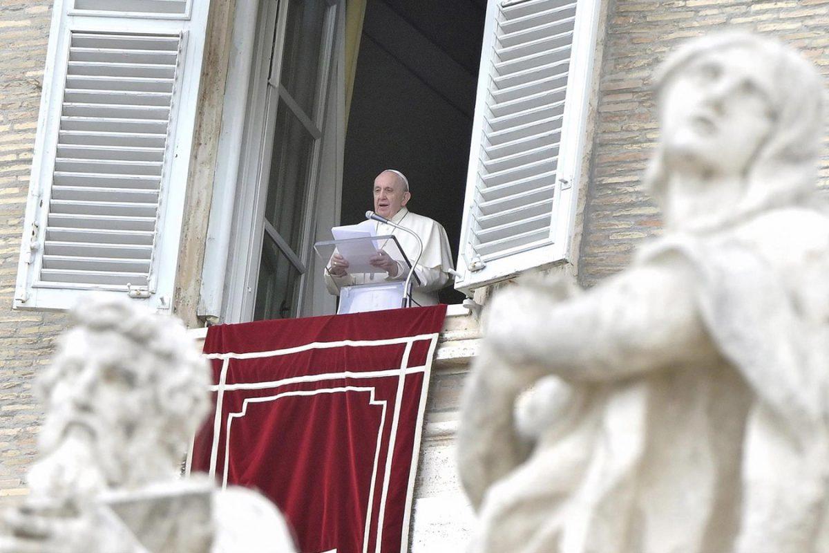 Dios habita en todas las cosas de la vida cotidiana: Papa Francisco en el Ángelus