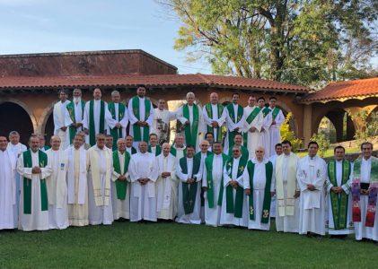 Sacerdotes y diáconos de Misioneros de Guadalupe celebran Semana de Estudio 2021